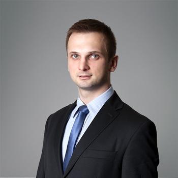 Marek Topór : associate