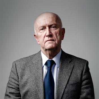dr hab. prof. UJ  Andrzej Kubas : senior partner